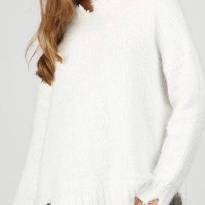 POL Distressed Eyelash Sweater, White S